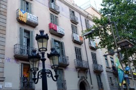 Architecture and opinions in La Rambla