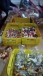Vorbereitung für die Weihnachtspäckchen für die Seefahrer