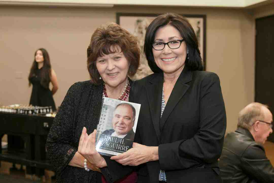 x Raul Yzaguirre Book signing Photo by Phil Soto 156