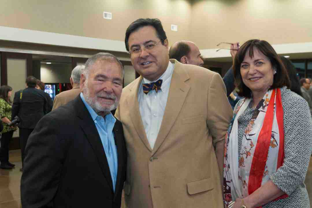 x Raul Yzaguirre Book signing Photo by Phil Soto 256