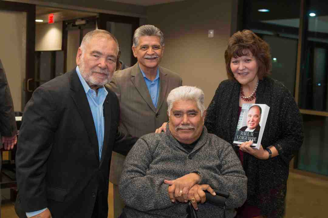 x Raul Yzaguirre Book signing Photo by Phil Soto 686