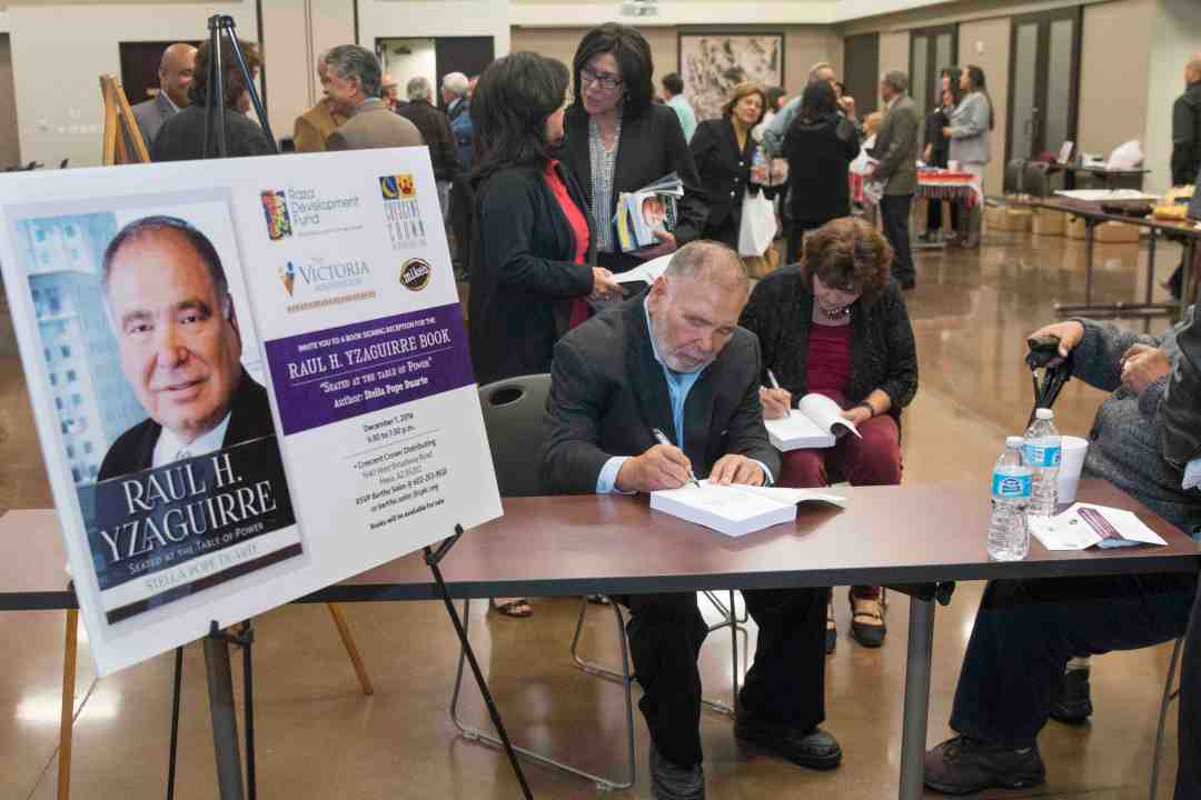 x Raul Yzaguirre Book signing Photo by Phil Soto 705