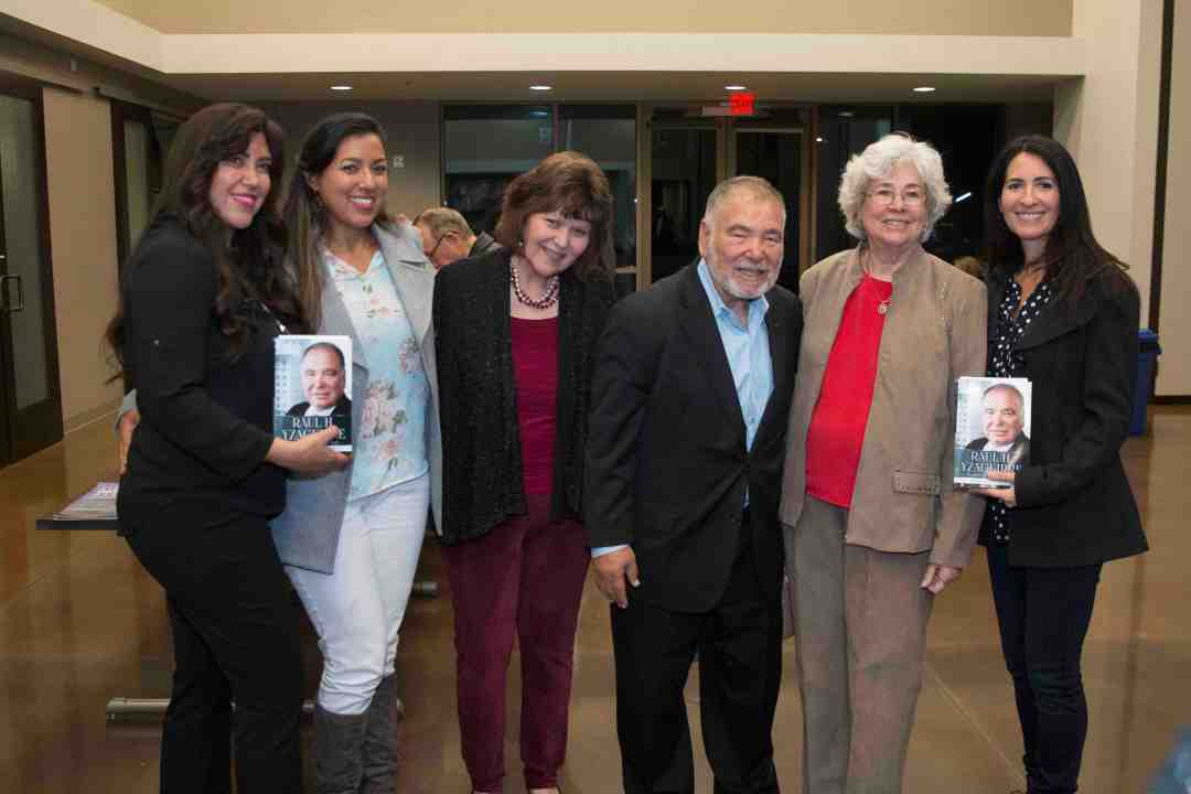 x Raul Yzaguirre Book signing Photo by Phil Soto 727