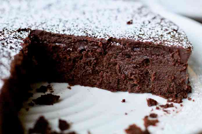 Flourless Chocolate Cake - 20