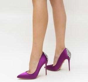 Pantofi dama mov cu toc subtire din satin si pietre pretioase