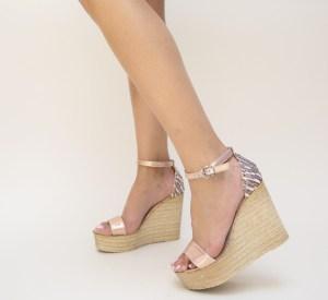 Platforme dama inalte roz din material textil si piele eco