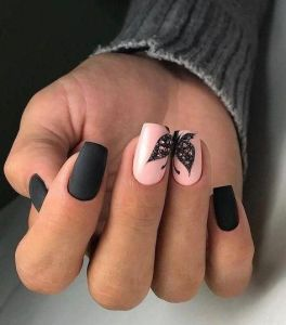 Unghii superbe cu fluturi