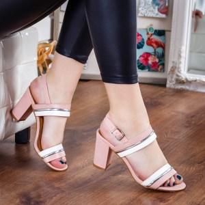 Sandale dama elegante roz cu toc mic gros cu barete roz albe si argintii