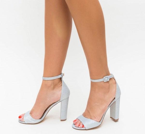 Sandale dama elegante din glitter gri cu toc gros inalt