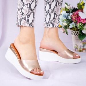 Papuci dama casual aurii din piele ecologica cu platforma alba