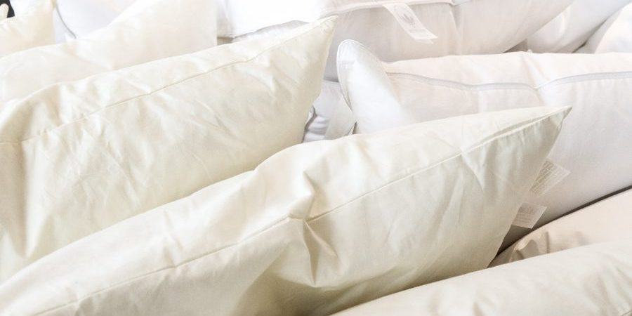 Decken und Kissen im Werksverkauf  Stendebach Outlet Montabaur