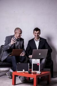 Enrico Kaarsberg og Kim Jensen har for deres virksomhed RadiCover afsøgt markedet og nyudviklet produkter som covers, mobilposer og headsets, der reducerer den mængde mobilstråling, som brugerne af f.eks. mobiltelefoner hver dag udsættes for.
