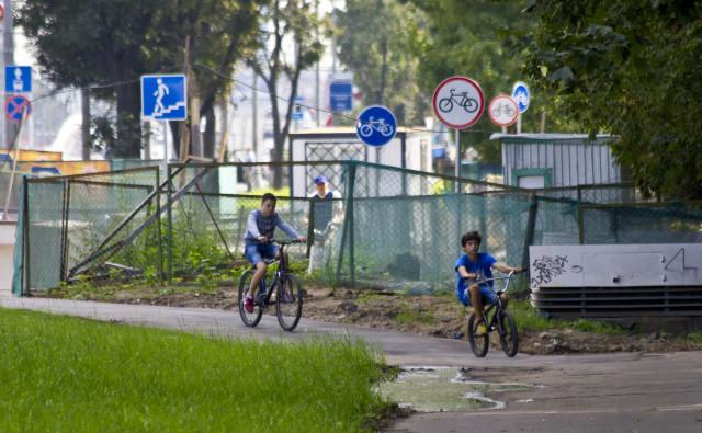 Велосипедное движение на Ленинградском шоссе – сквозного проезда нет!
