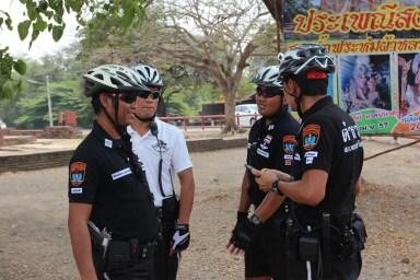 2014.06.23 - 03 - Таиланд. Полицейские-велосипедисты