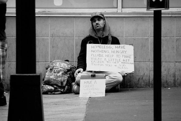 Sărăcia nu-ți pune un cerc galben-strălucitor deasupra capului