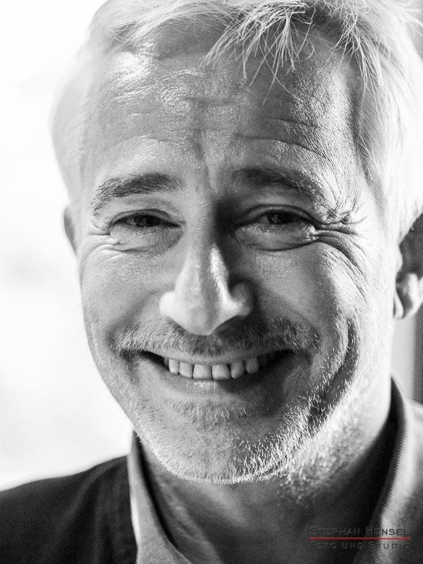 Gerry Hungbauer im Studio bei Stephan Hensel, Portraitfotograf: Stephan Hensel