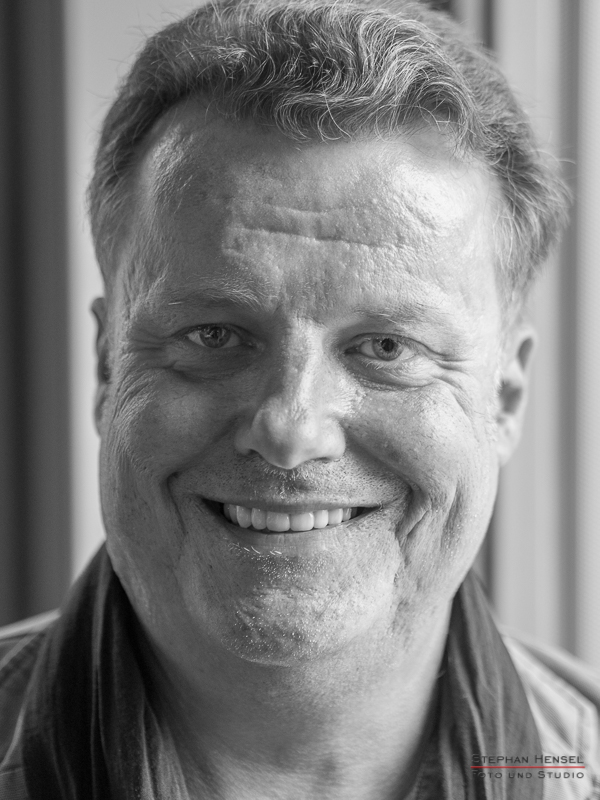 Henri Schmidt von den Prinzen im Studio bei Stephan Hensel, Portraitfotograf: Stephan Hensel