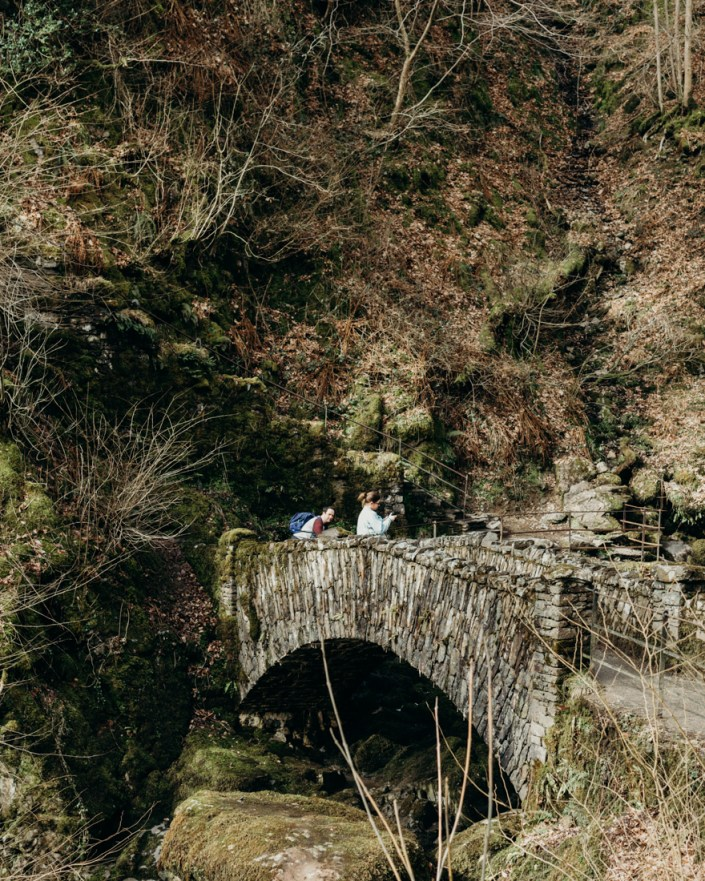 stephanie-green-wedding-photographer-travel-lifestyle-keswick-lake-district-aira-force-outdoors-girl-woman-nature-landscape-waterfall-england-17