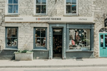 tetbury-stephanie-louise-green-wedding-photography-lifestyle-professional-travel-6