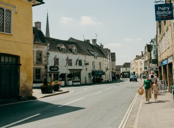 tetbury-stephanie-louise-green-wedding-photography-lifestyle-professional-travel-8