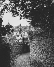 stephanie-green-wedding-photographer-castle-combe-chippenham-cotswolds-old-england-english-village-1