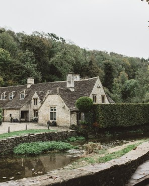 stephanie-green-wedding-photographer-castle-combe-chippenham-cotswolds-old-england-english-village-19