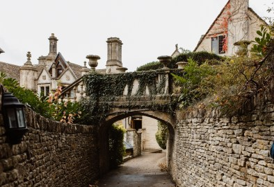 stephanie-green-wedding-photographer-castle-combe-chippenham-cotswolds-old-england-english-village-2