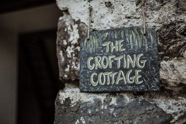 stephanie-green-weddings-london-isle-of-lismore-oban-scotland-travel-lifestyle-crofting-cottage-ferry-rustic-thatched-roof-11