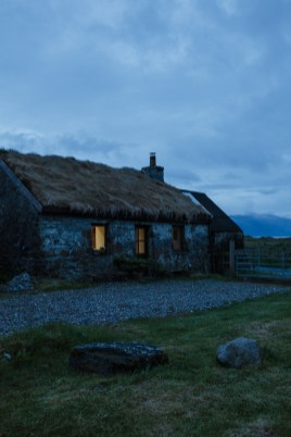 stephanie-green-weddings-london-isle-of-lismore-oban-scotland-travel-lifestyle-crofting-cottage-ferry-rustic-thatched-roof-86