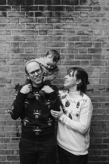 stephanie-green-weddings-christmas-jumper-family-portrait-session-tottenham-london-31