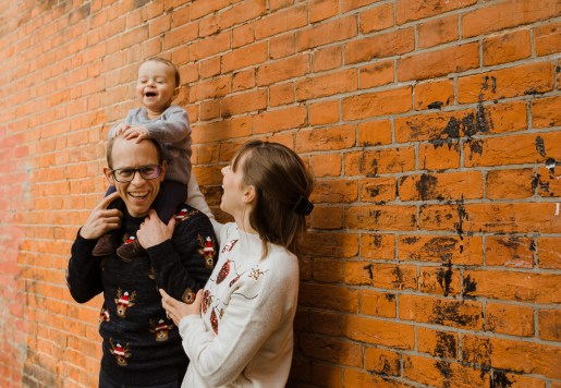 stephanie-green-weddings-christmas-jumper-family-portrait-session-tottenham-london-34