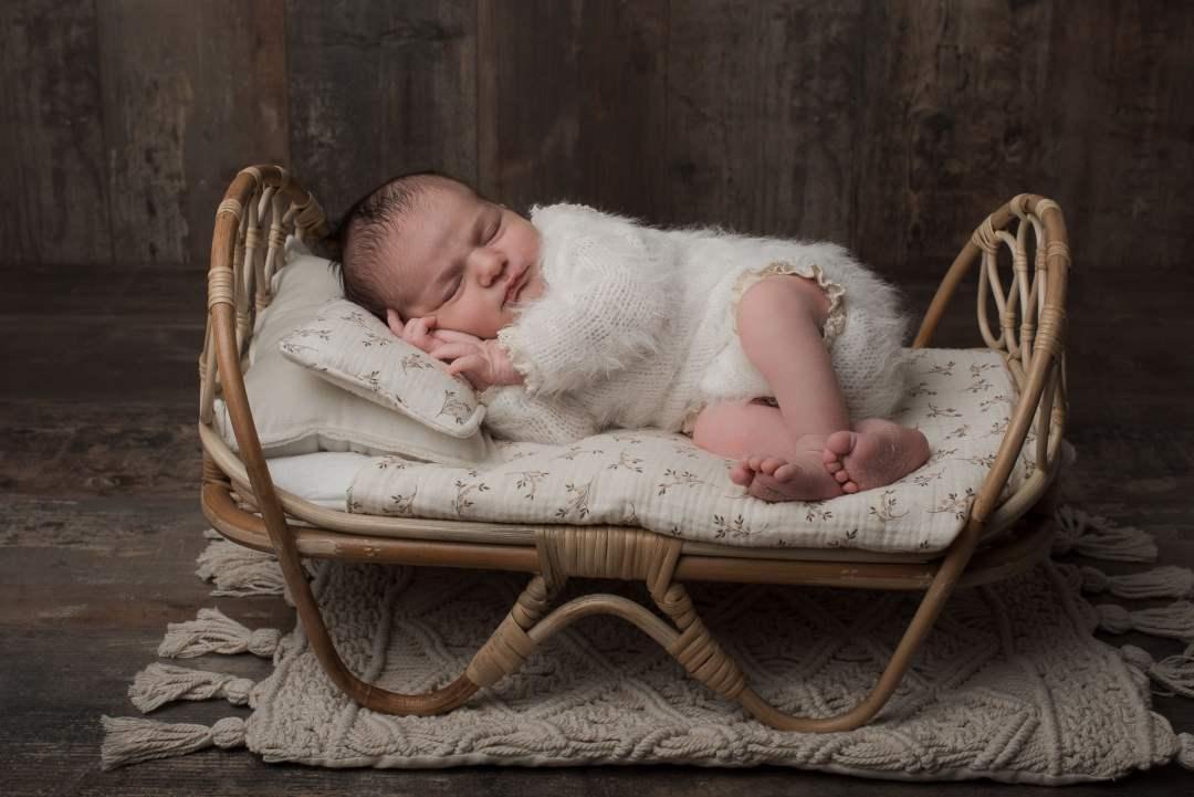 photo bébé berceau