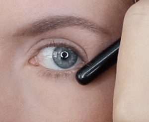 how to apply eyeliner for hooded eyes