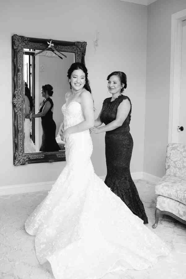 Thistlewood manor & gardens wedding bridal suite