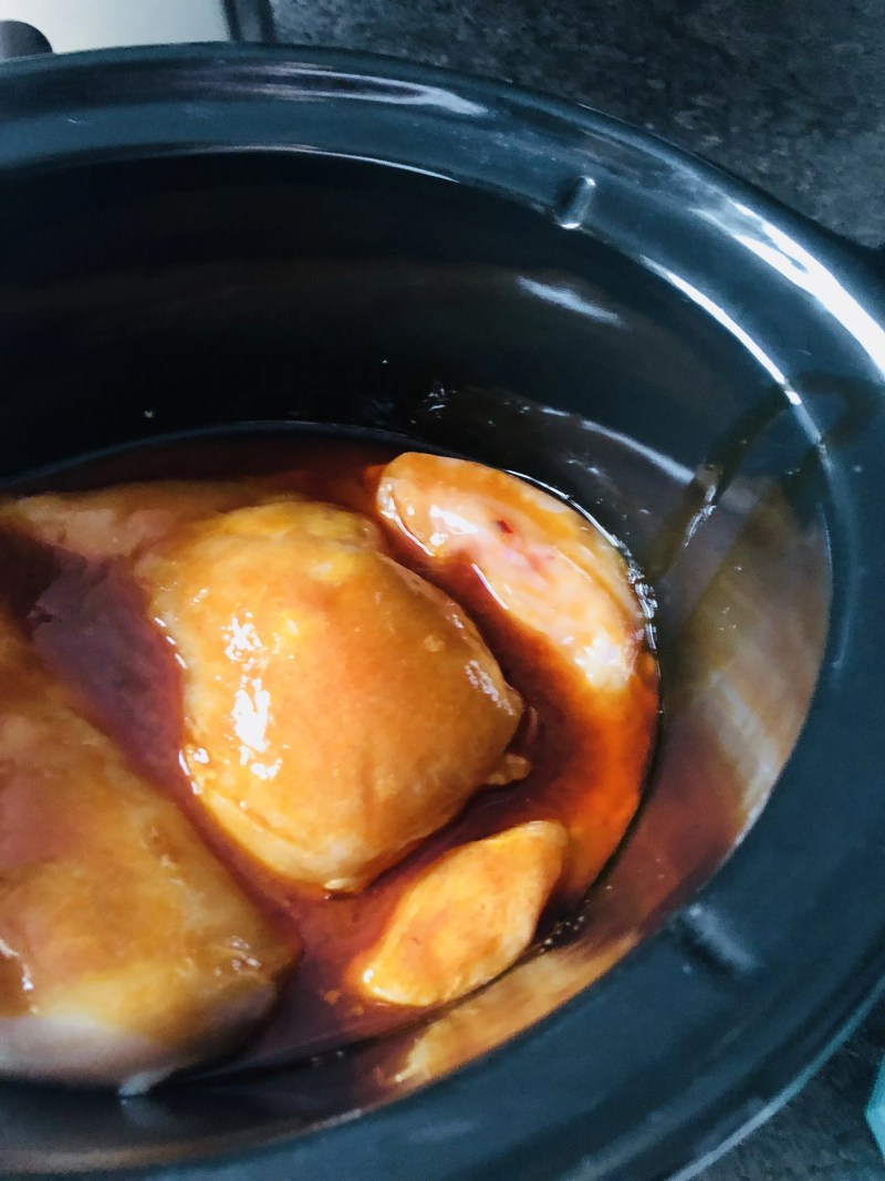 Whole 30 compliant crock pot buffalo chicken // stephanieorefice.net