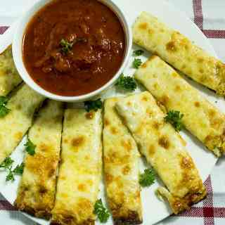 Cheesy Baked Zucchini Breadsticks
