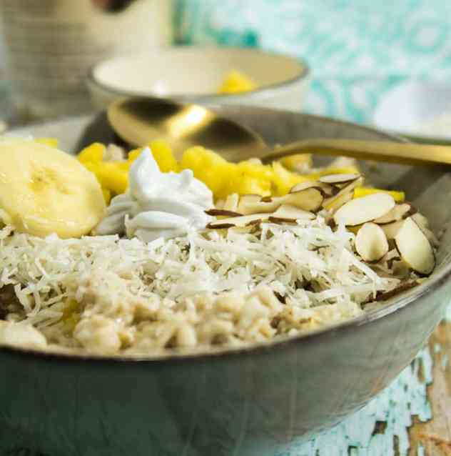 Slow Cooker Pina Colada Oatmeal