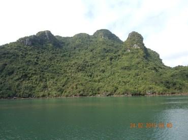 vietnam-halongbay-1