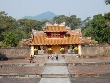 vietnam-hue-minhmangtomb-2