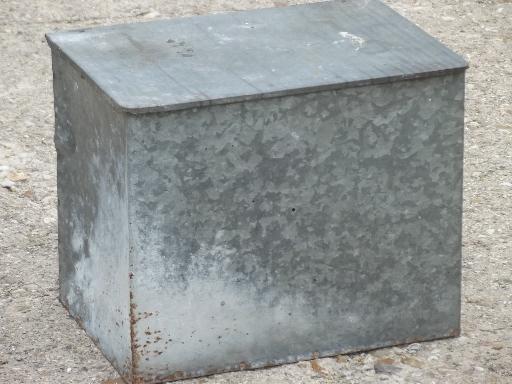 old-zinc-galvanized-metal-milk-box-vintage-porch-box-for-milk-bottles-Laurel-Leaf-Farm-item-no-u720168-1