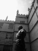 Statue of William Herbert, Earl of Pembroke at the entrance to the Bodleian Library
