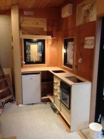 Kitchen has a corner