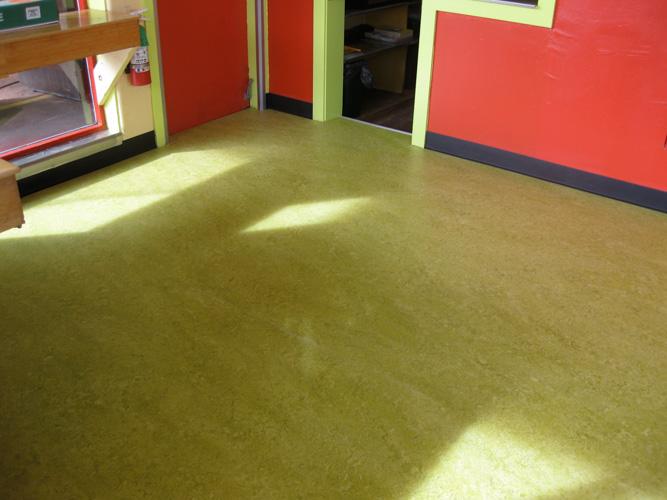 Marmoleum18 18 Marmoleum Sheet Flooring installation