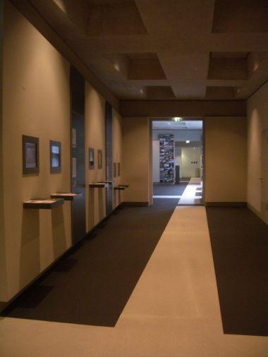 Holocaust Memorial by Peter Eisenman 38_Stephen Varady Photo