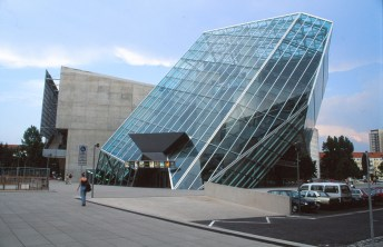 UFA Cinema Centre by Coop Himmelb(l)au 03_Stephen Varady Photo ©