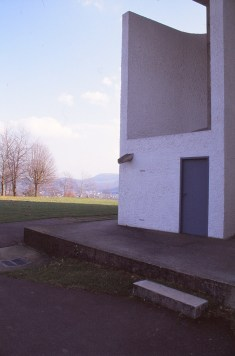 ronchamp-chapel-by-le-corbusier-92_stephen-varady-photo