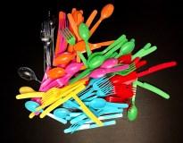 utencil-pile