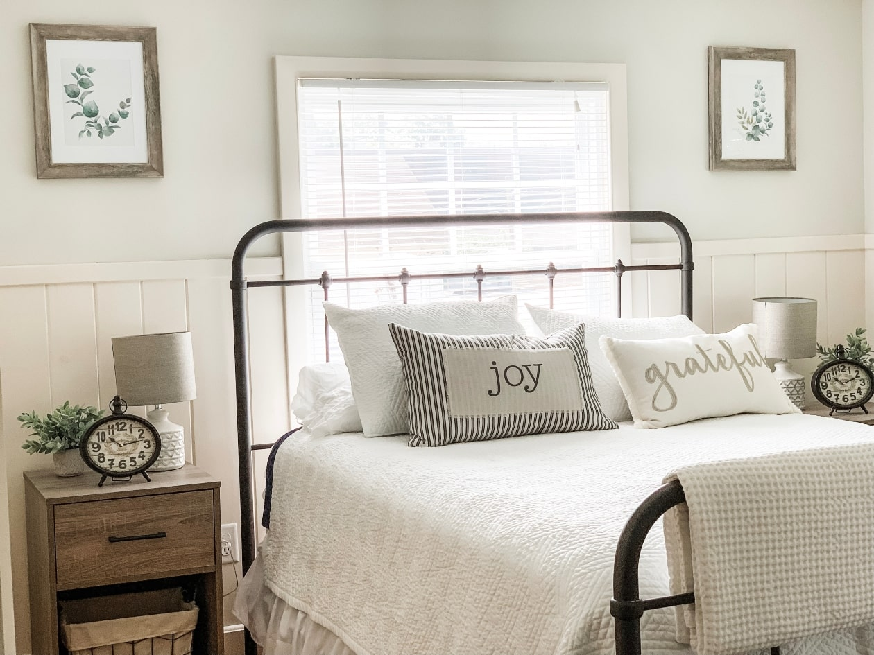 Cozy Living: Bright Modern Farmhouse Guest Bedroom Reveal ...