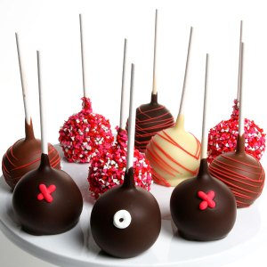 Hugs-Kisses-Cake-Pops_large