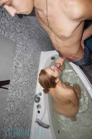 Stepmother Sucking Cock and Getting Fucked By Stepson In The Bathtub 11